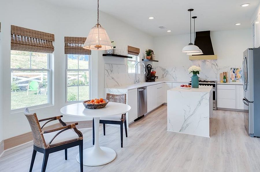 Wooden-floor-in-lighter-tone-gives-the-modern-kitchen-a-much-more-brighter-light-filled-visual-appeal-59960