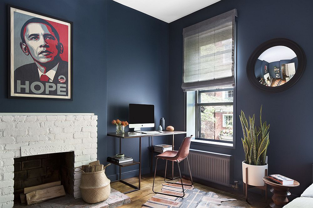 Beautiful and easy home office idea that also utilizes natural light in the room