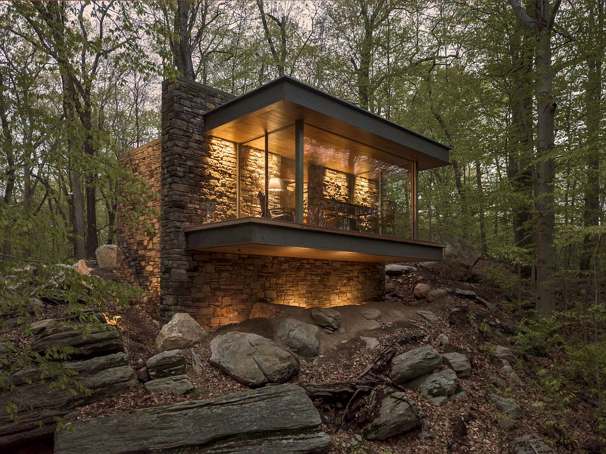 Beautiful modern Writer's Studio in Connecticut surrounded by oak forest