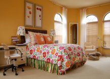 Bedding-brings-floral-pattern-to-the-cozy-kids-bedroom-in-yellow-33864-217x155
