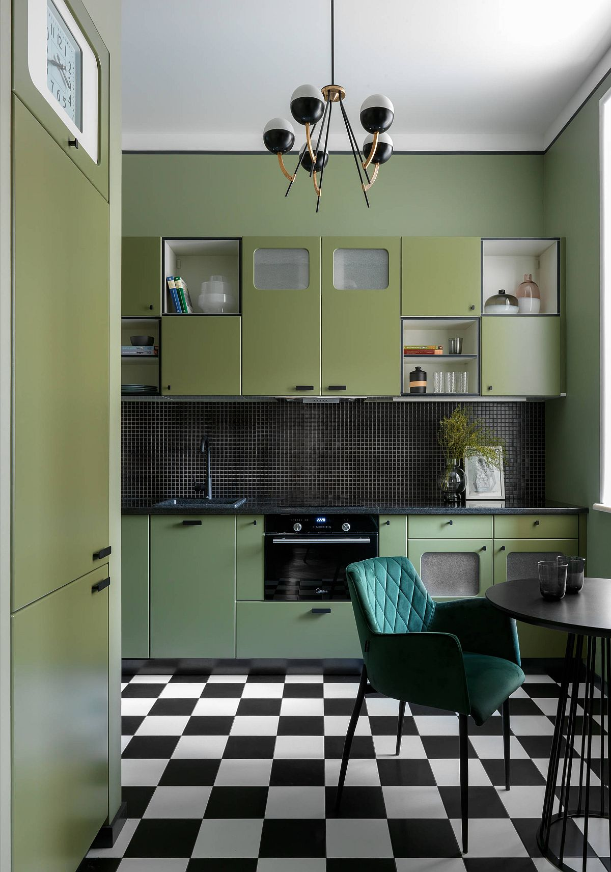 Black-and-white-kitchen-floor-tiles-take-you-back-in-time-and-give-the-space-a-retro-look-22144