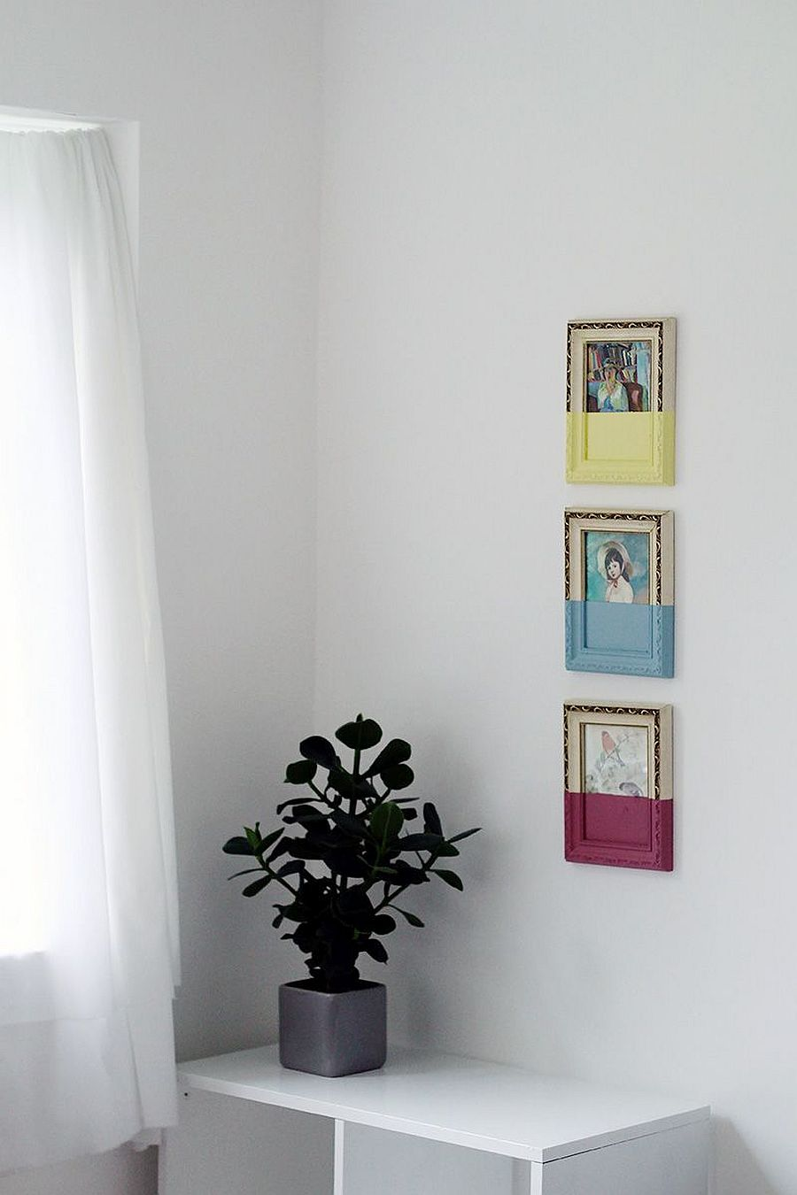 Decorate your walls this spring and summer with gorgeous paint-dipped picture frames