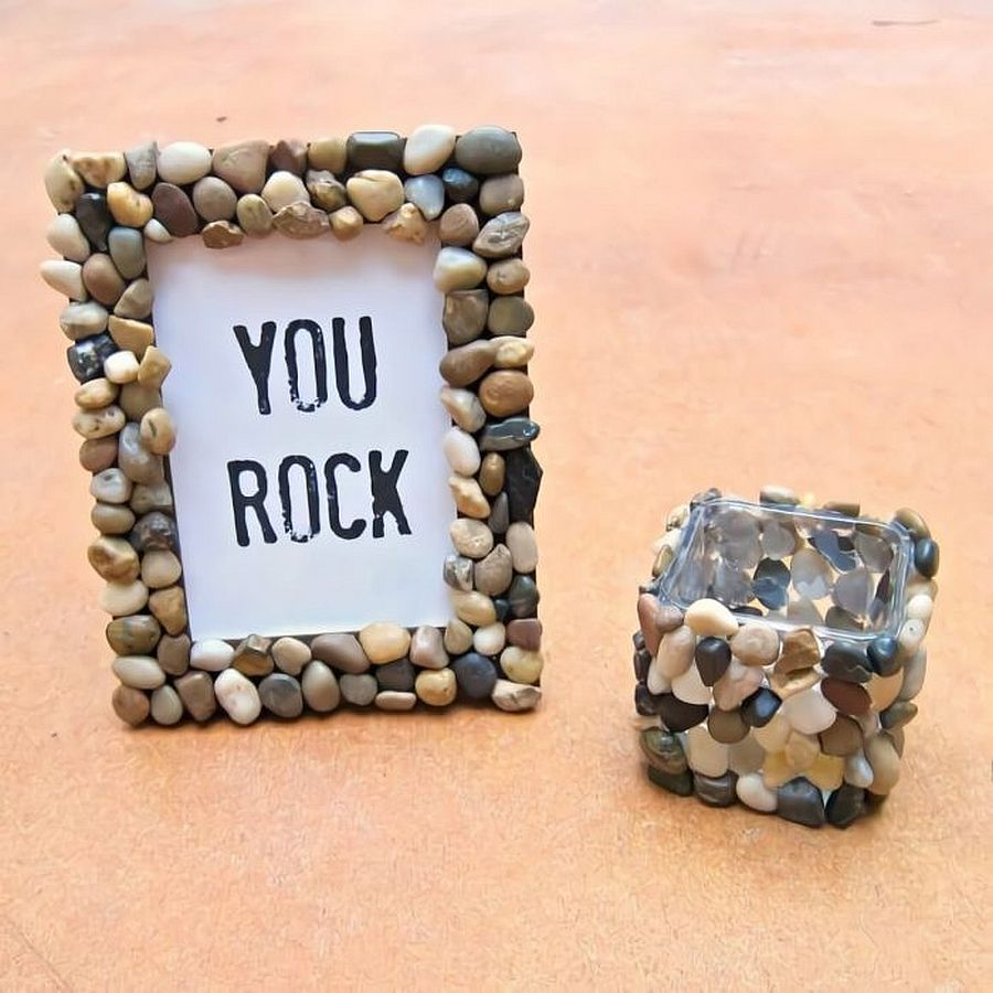 Easy to make photo frame crafted using rocks