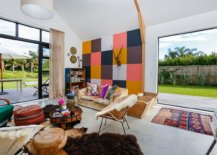 Eclectic-blend-of-colors-in-the-living-room-with-modern-backdrop-58798-217x155