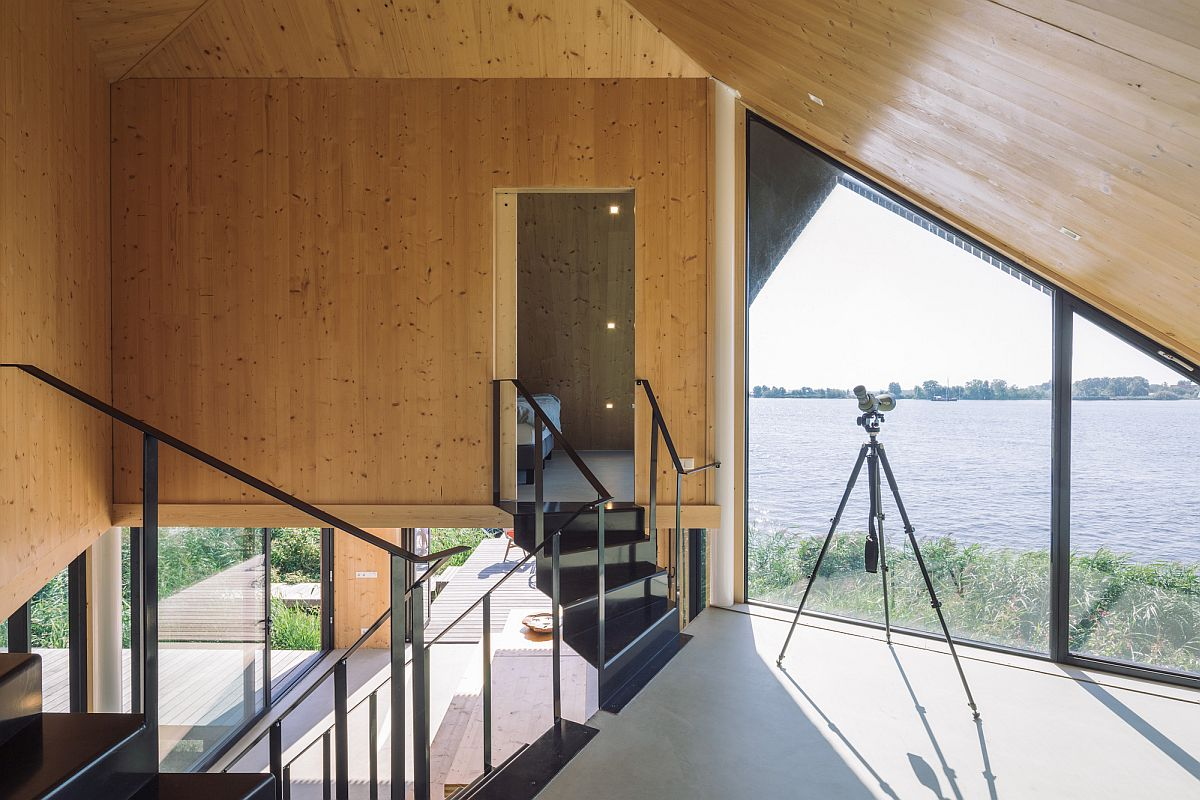 Glass-walls-and-windows-bring-in-plenty-of-natural-light-24421