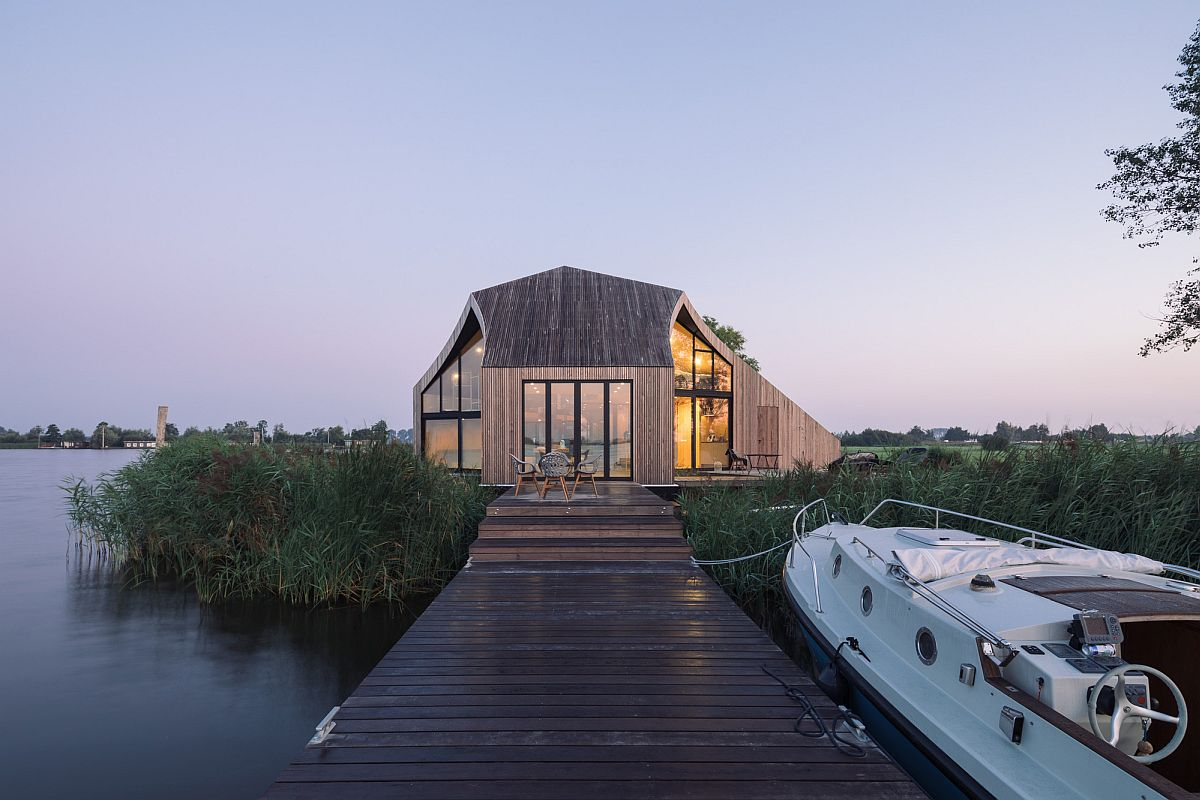 Jetty-and-entry-to-the-island-holiday-home-in-Netherlands-45251