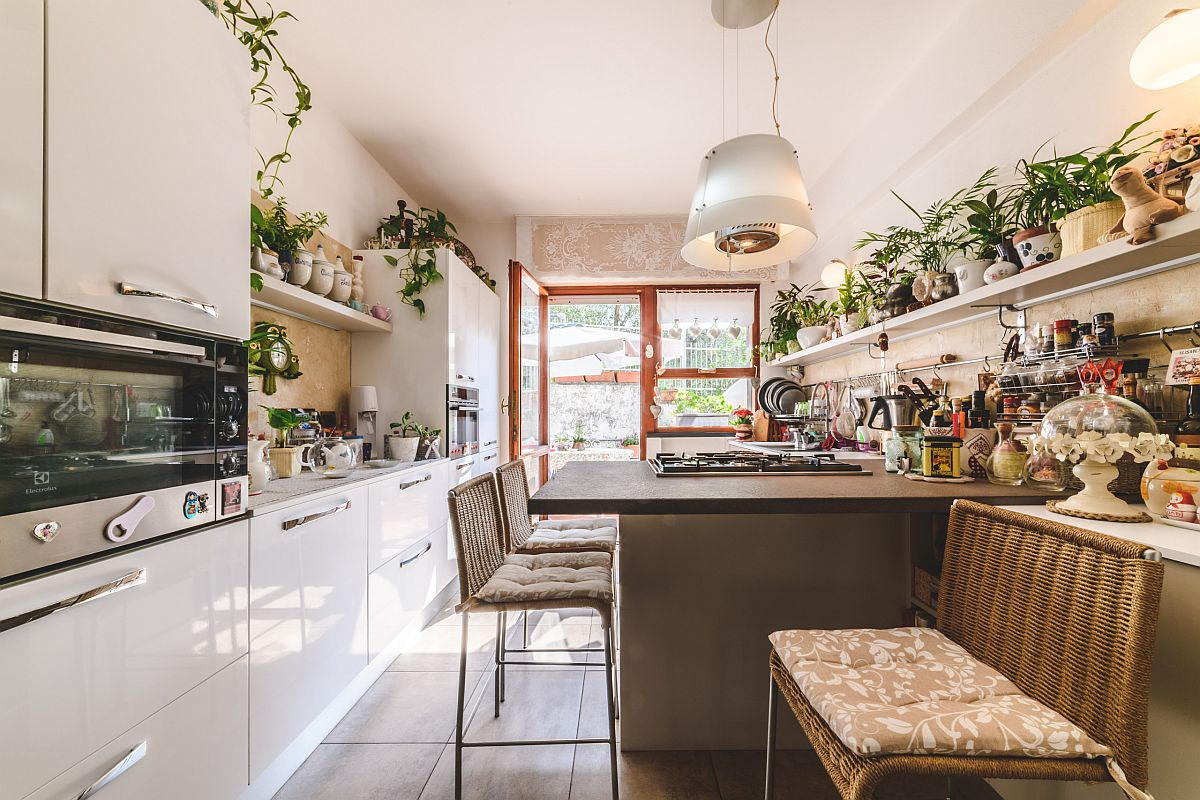 Modest-kitchen-with-ample-sitting-space-and-a-whole-lot-of-greenery-41243