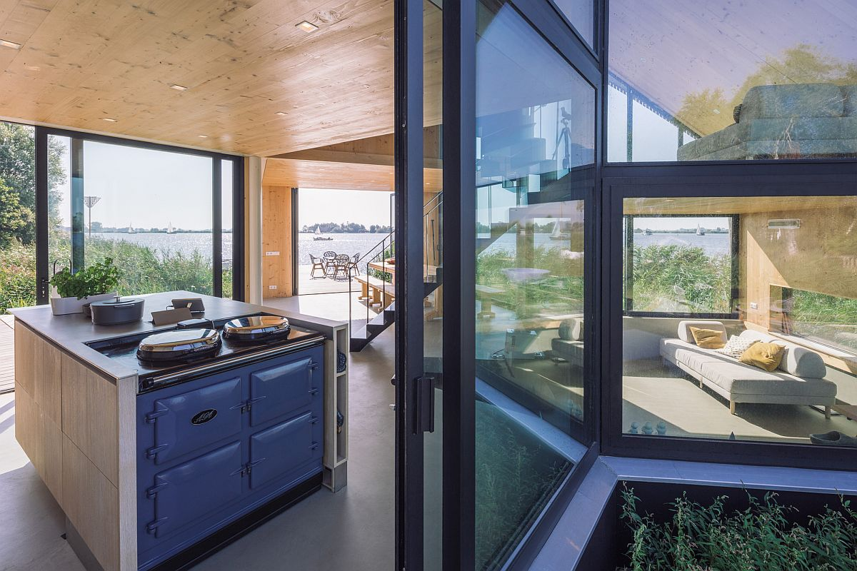 Multi-level-sitting-area-of-the-house-with-kitchen-on-a-different-level-33702