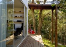 Sheltered-walkways-around-the-house-offer-a-relaxing-escape-68373-217x155