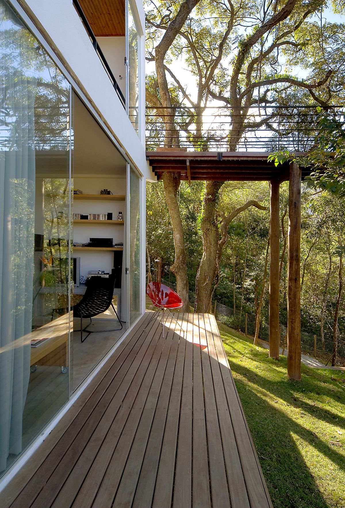 Sheltered walkways around the house offer a relaxing escape