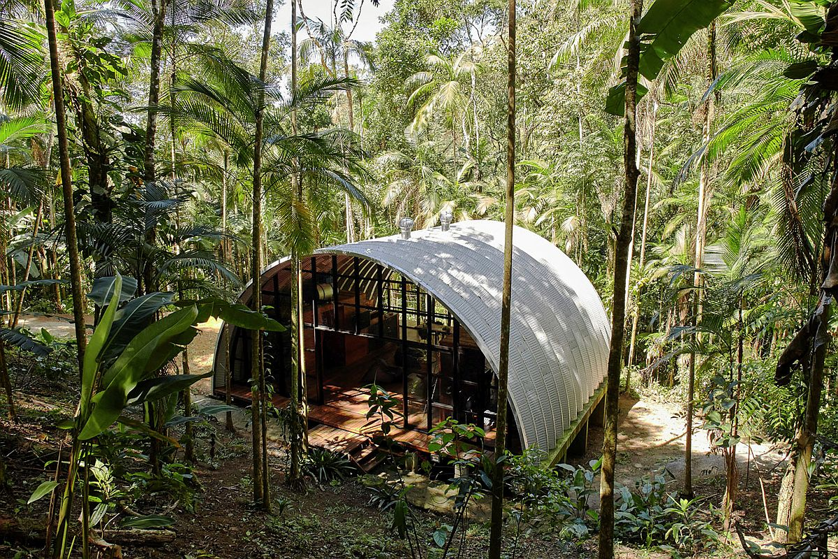 Sustainable ARCA home in Brazilian rainforest with innovative design