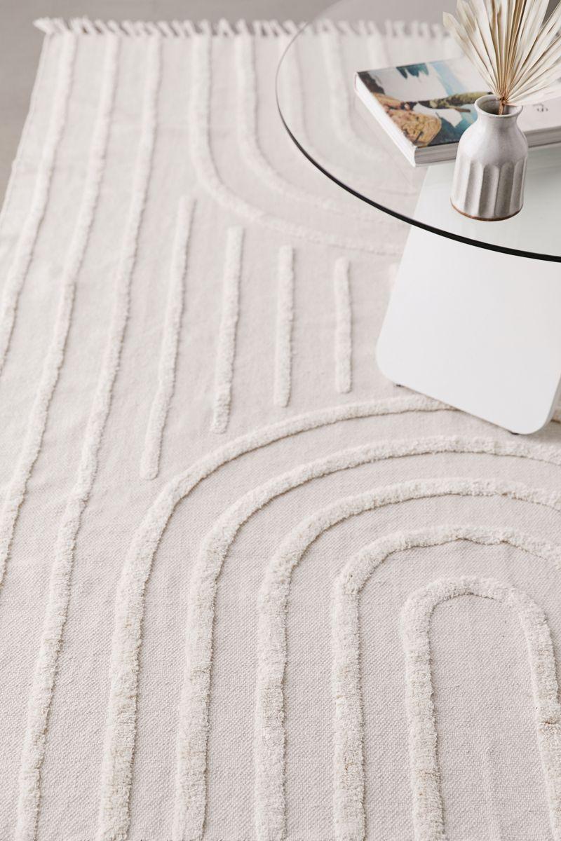 Textured geometric white cotton rug