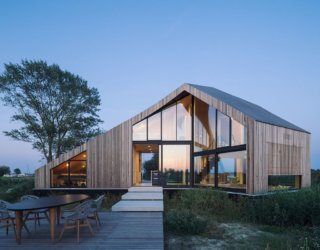 Island Environment and Scenic Views Enliven Mesmerizing Dutch Holiday Home