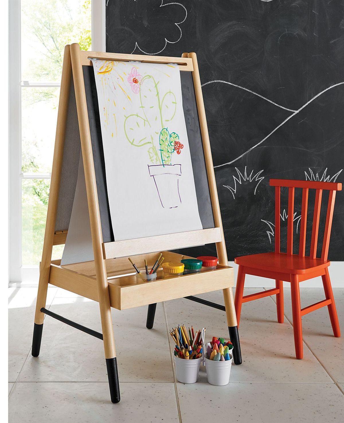 Wooden-Art-Easel-from-Crate-Kids-brings-out-the-creative-side-of-your-little-one-84178