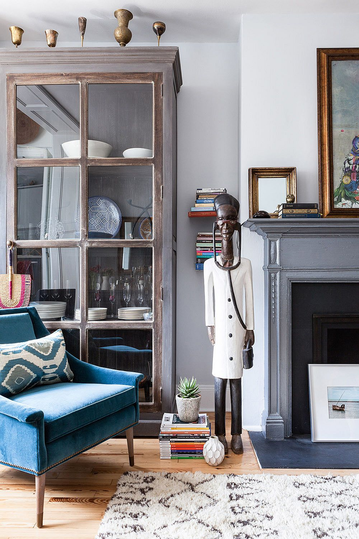 Vintage Finds Meet Modern Sheen Inside Small Chelsea Pied