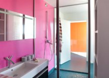 Blue-floor-combined-with-pink-walls-in-the-contemporary-bathroom-91581-217x155