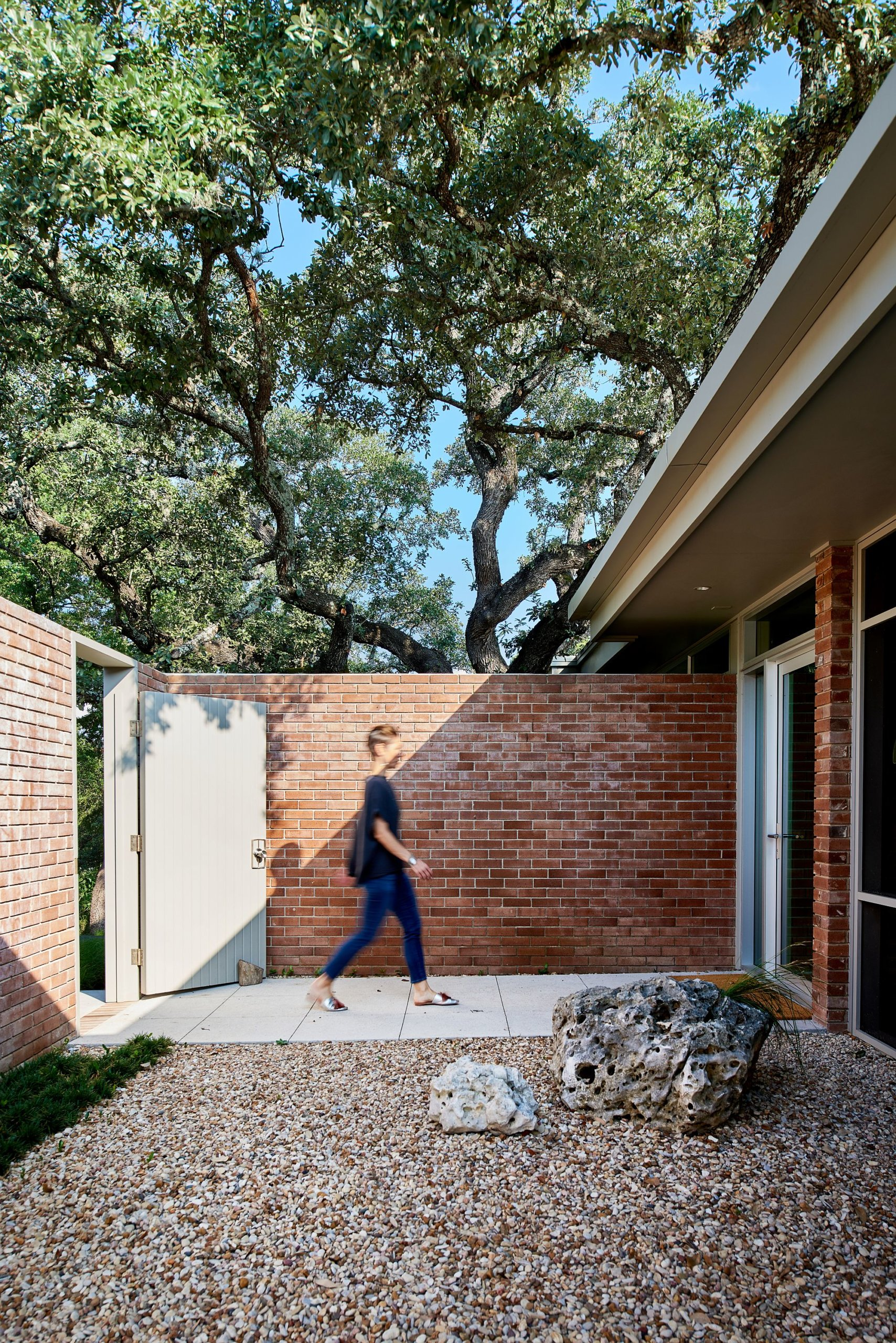 Brick walls and a new facade welcome you at the Balcones Residence