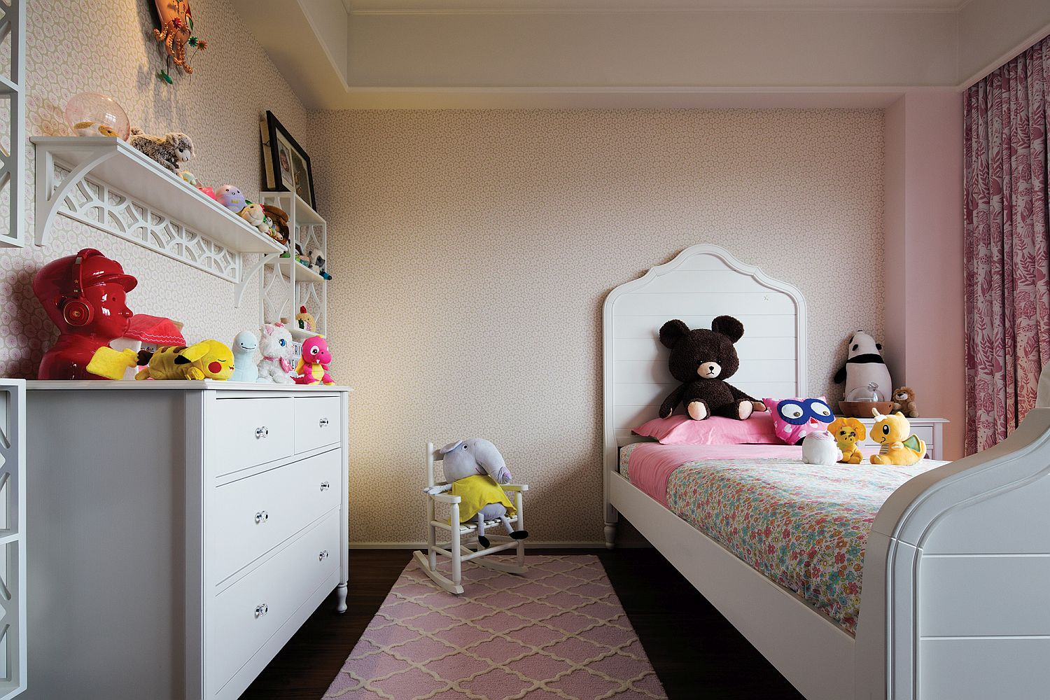 Bundle-of-soft-toys-add-color-to-the-kids-room-16187