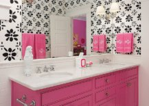 Classy-blend-of-black-white-and-pink-in-the-bathroom-66418-217x155