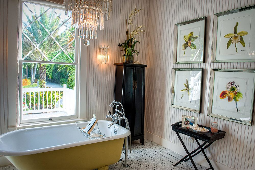 Color-of-the-vintage-bathtub-complements-that-of-the-prints-in-the-framed-botanicals-79230