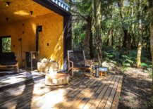Cozy-wooden-panels-and-deck-add-a-more-naural-vibe-to-the-cabin-style-vacation-home-74009-217x155