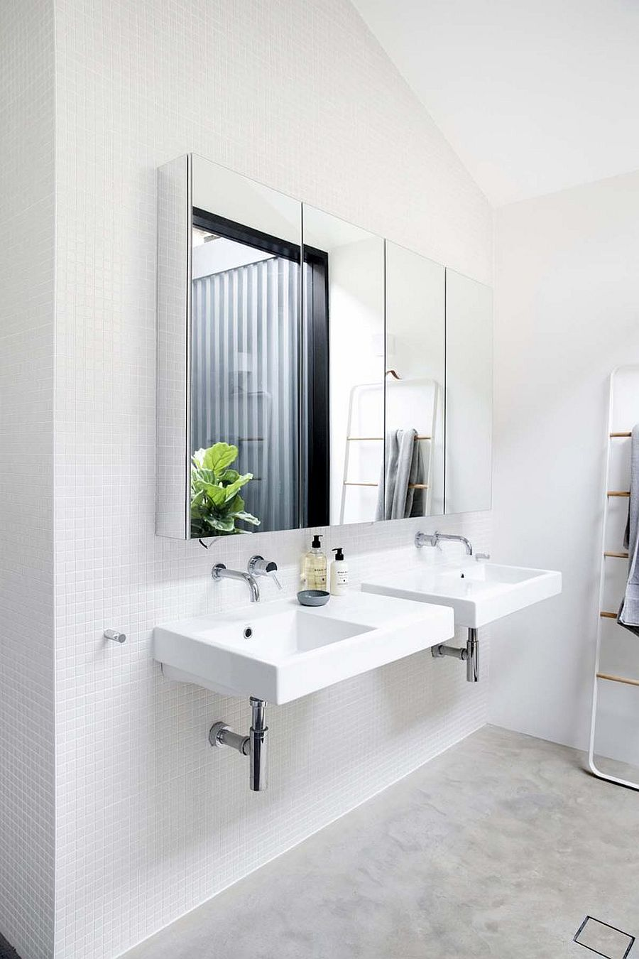 Create-a-more-relaxing-bathroom-with-walls-in-monochromatic-white-95459