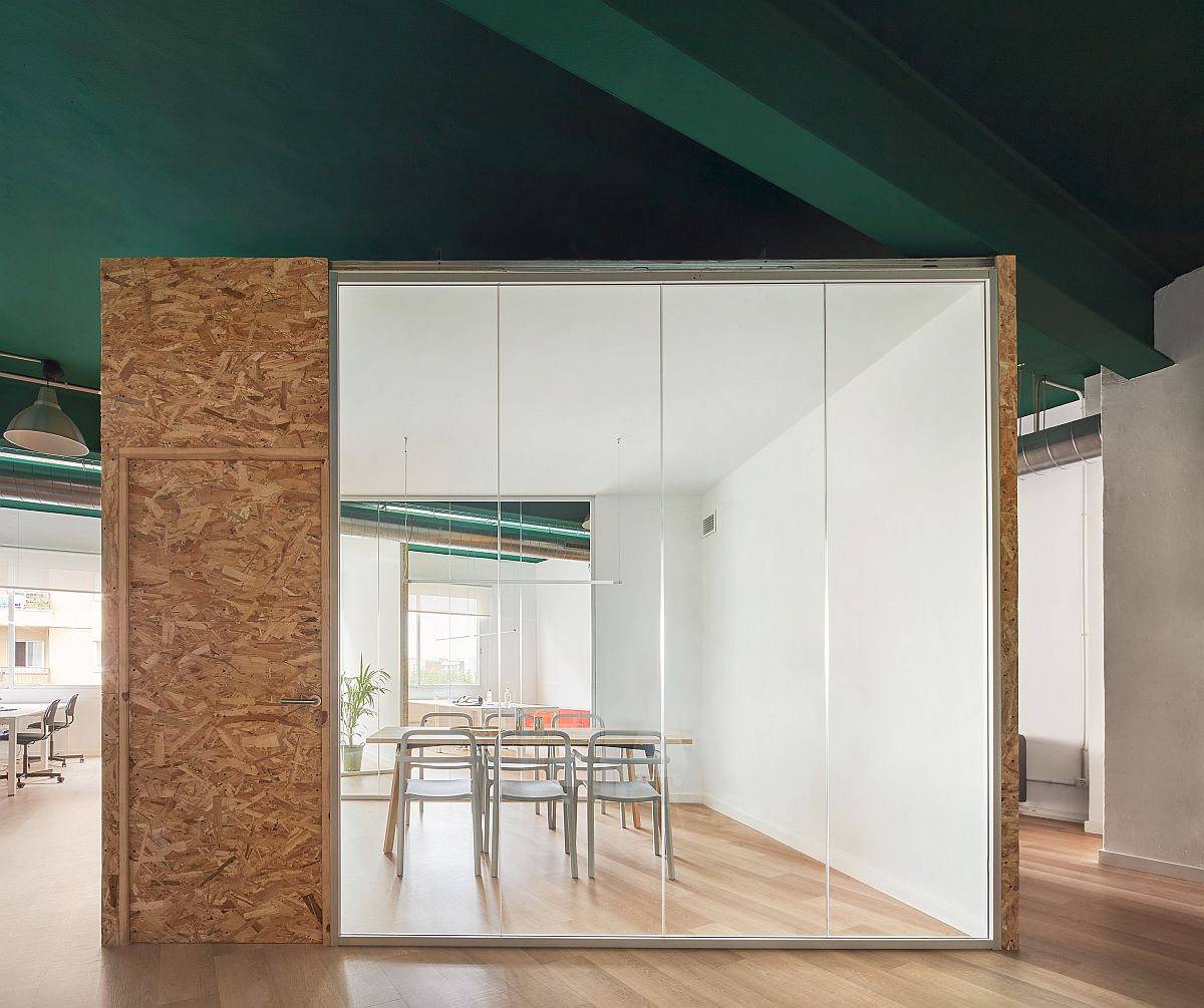 Custom-boxes-in-white-and-wood-insidethe-industrial-shell-give-the-home-a-modern-appeal-48029