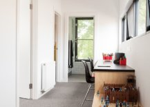 Custom-desk-can-turn-the-large-hallway-into-a-lovely-workspace-for-two-65181-217x155