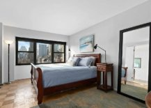 Empire-State-Building-views-make-the-biggest-impact-inside-the-small-monochromatic-bedroom-96122-217x155
