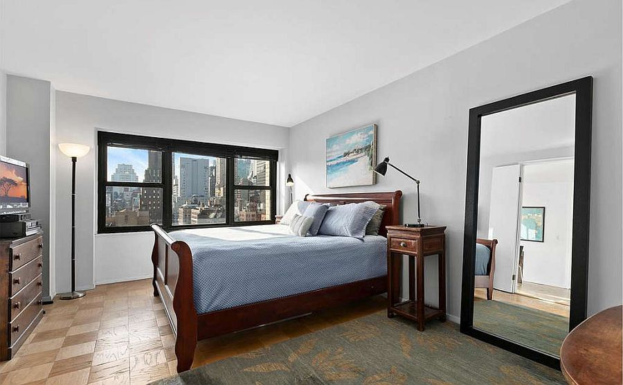 Empire-State-Building-views-make-the-biggest-impact-inside-the-small-monochromatic-bedroom-96122