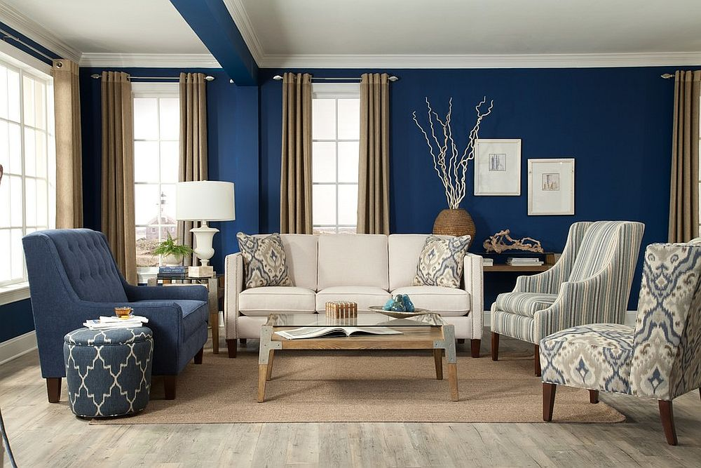 Glam-New-York-living-room-combines-different-patterns-without-disturbing-the-blue-and-white-color-scheme-29014
