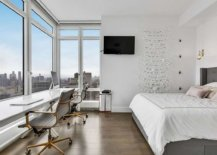 Glass-walls-in-the-bedroom-bring-iconic-skyline-of-New-York-City-indoors-35747-217x155