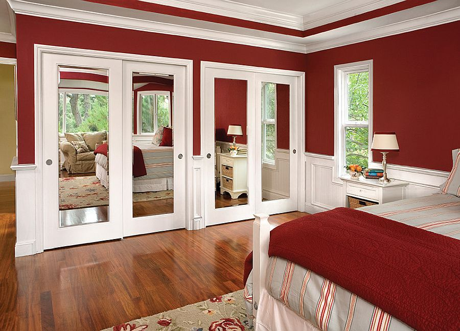 Goreous-red-and-white-modern-bedroom-with-lovely-Mirrored-closet-doors-that-steal-the-show-98744