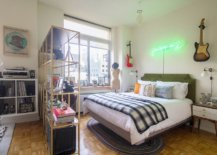 Gorgeous-modern-eclectic-bedroom-in-the-heart-of-New-York-City-with-lovely-viiews-of-its-skyline-42102-217x155
