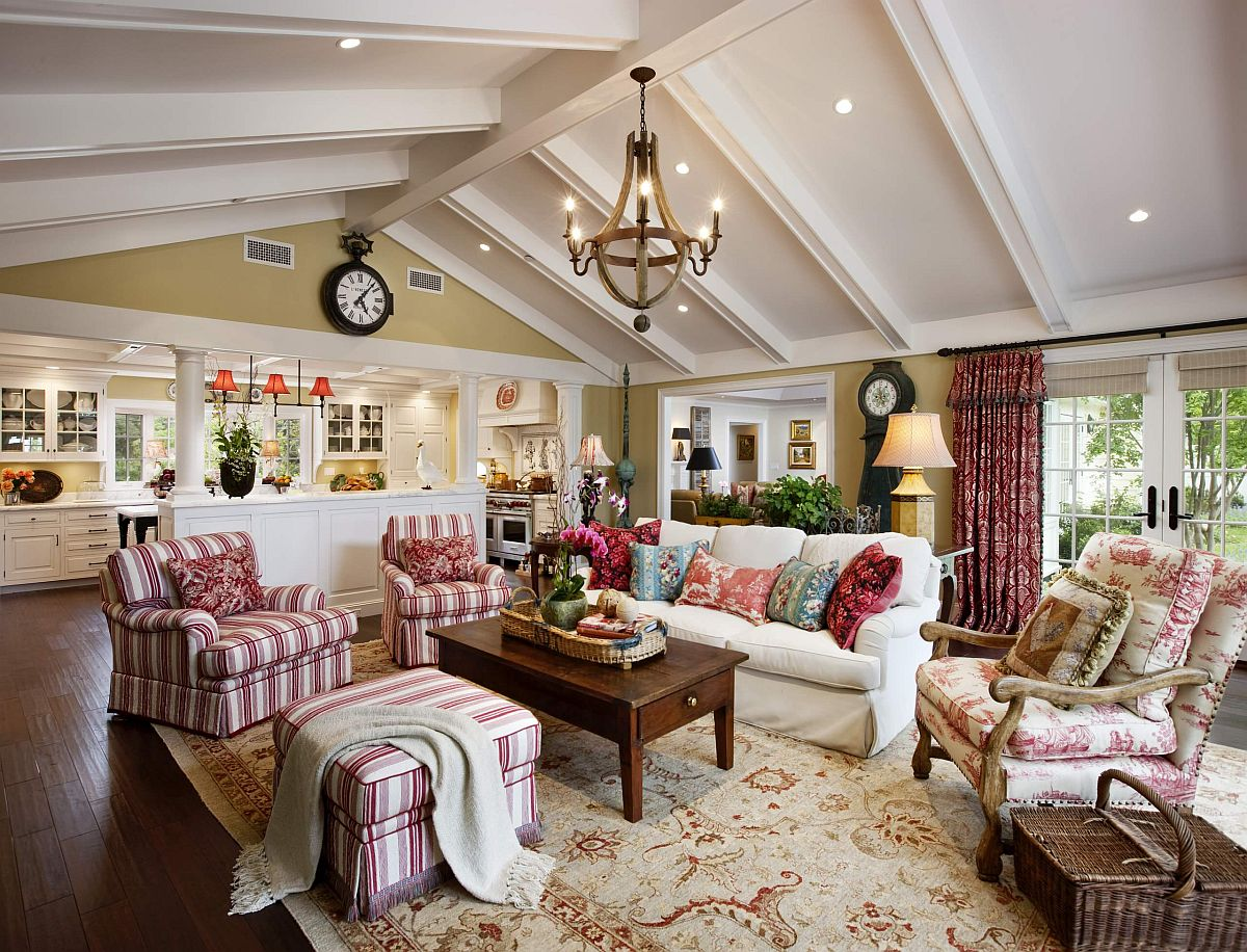 Gorgeous-striped-chairs-in-pink-steal-the-show-in-this-traditional-family-room-44102