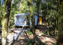 Hammock-and-wooden-decks-offer-a-lovely-outdoor-refuge-16077-217x155