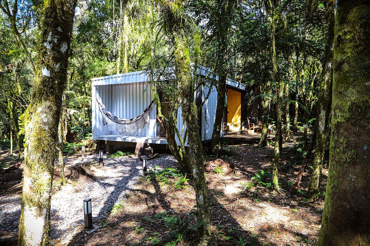 Hammock-and-wooden-decks-offer-a-lovely-outdoor-refuge-16077