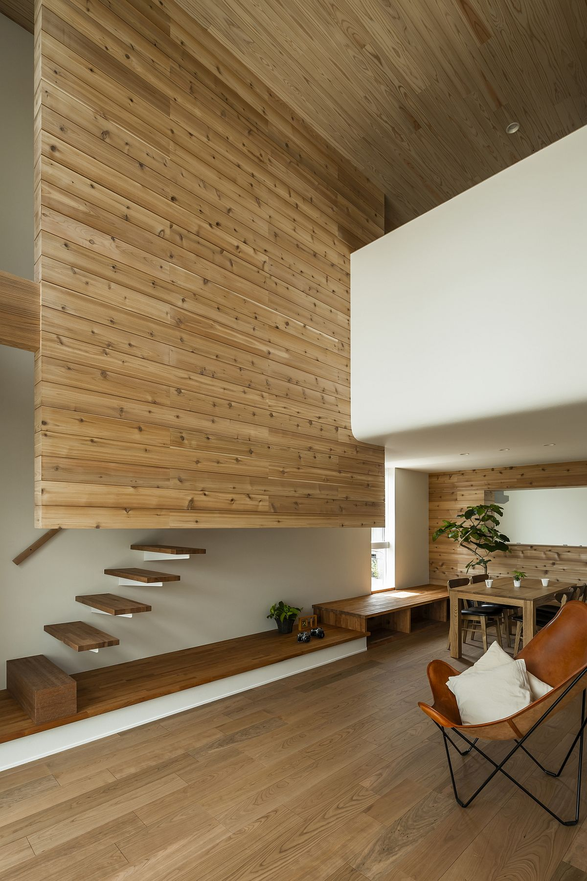 Innovative minimal stiarcase design inside the modern Japanese home