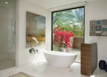 Large-wall-art-piece-next-to-the-freestanding-bathtub-is-a-trend-you-should-embrace-this-season-37118-217x155