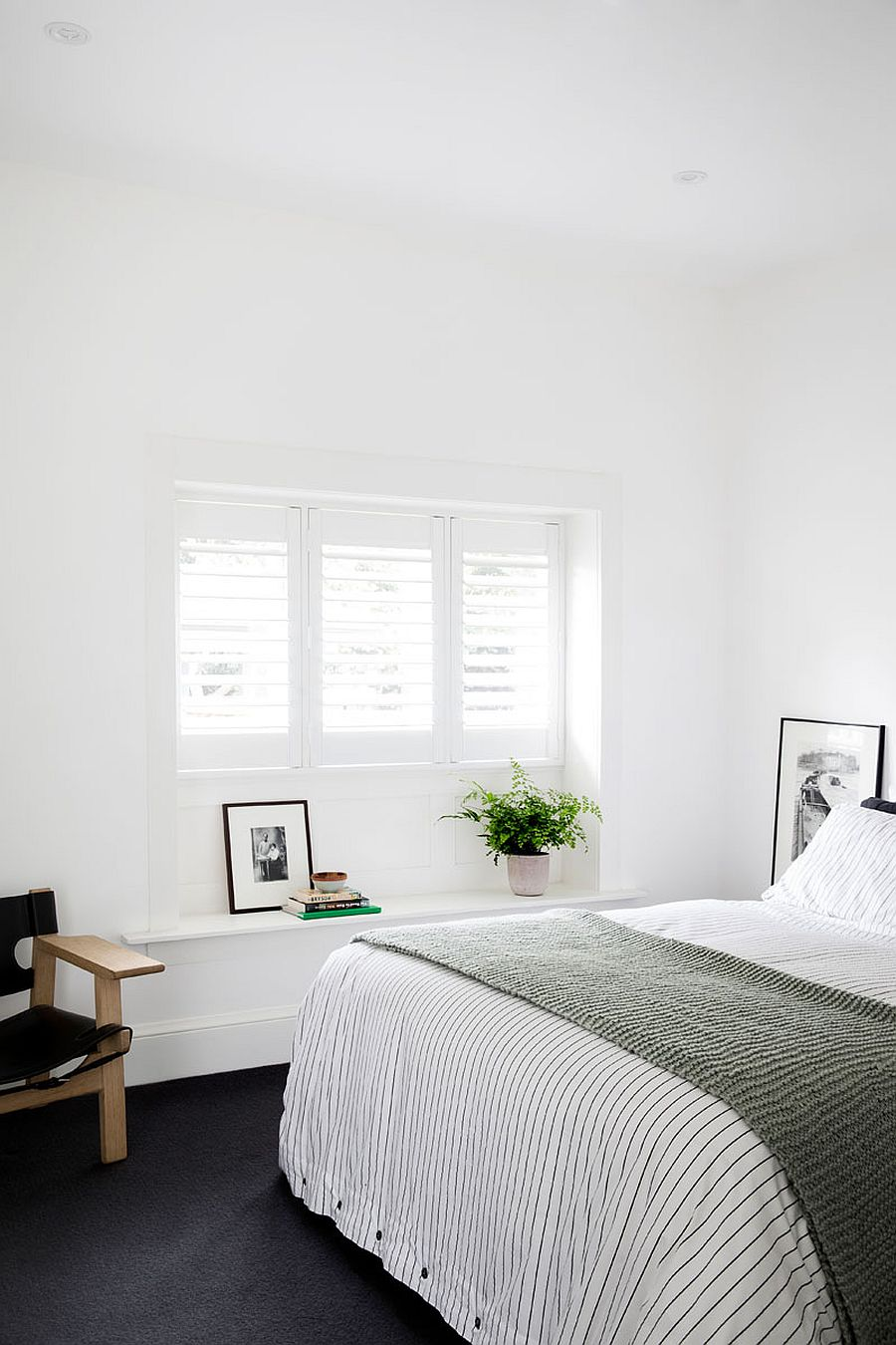 Light-filled-bedroom-in-white-of-the-revamped-home-in-Sydney-15947