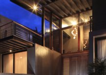 Lighting-the-entry-and-the-stairwell-for-modern-house