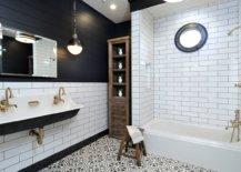 Lovely-black-and-white-bathrom-with-a-traditional-wooden-shelf-in-the-corner-and-gorgeous-pendant-lighting-71442-217x155
