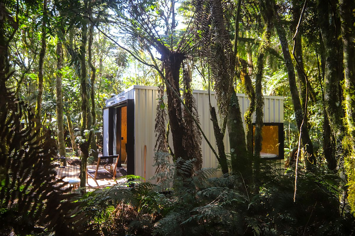 Natural-greenery-around-the-custom-built-cabins-has-been-lef-as-undisturbed-as-possible-59006