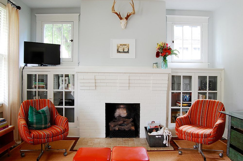 Nifty-orange-striped-accent-chairs-on-wheels-for-the-modern-eclectic-interior-44487