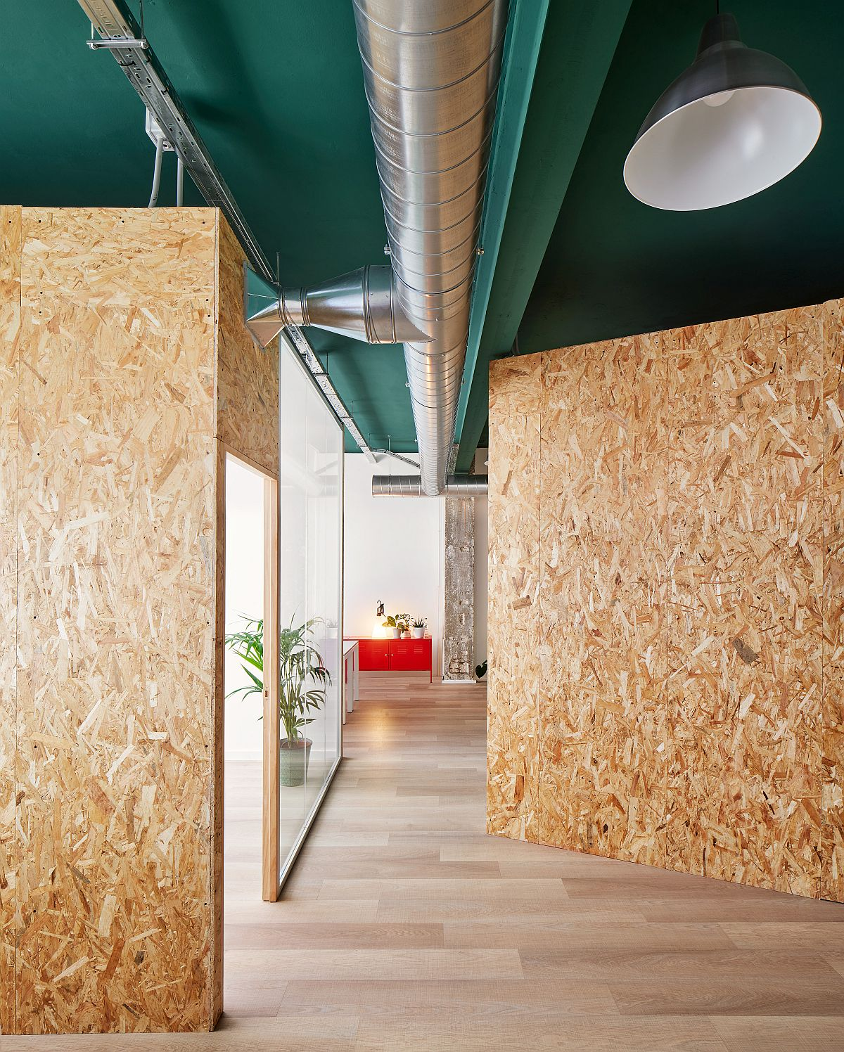 Original-industrial-elements-of-the-interiorhave-been-preserved-and-enhanced-inside-the-office-space-96284