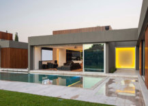 Pool-area-and-courtyards-connecting-different-areas-of-the-new-and-the-old-homes-63260-217x155