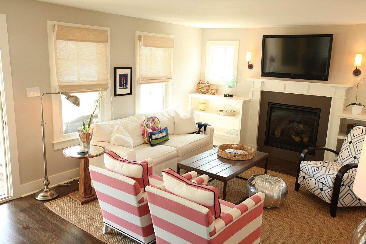 Relaxing-and-pleasant-coastal-style-living-room-with-striped-chairs-in-pink-23345
