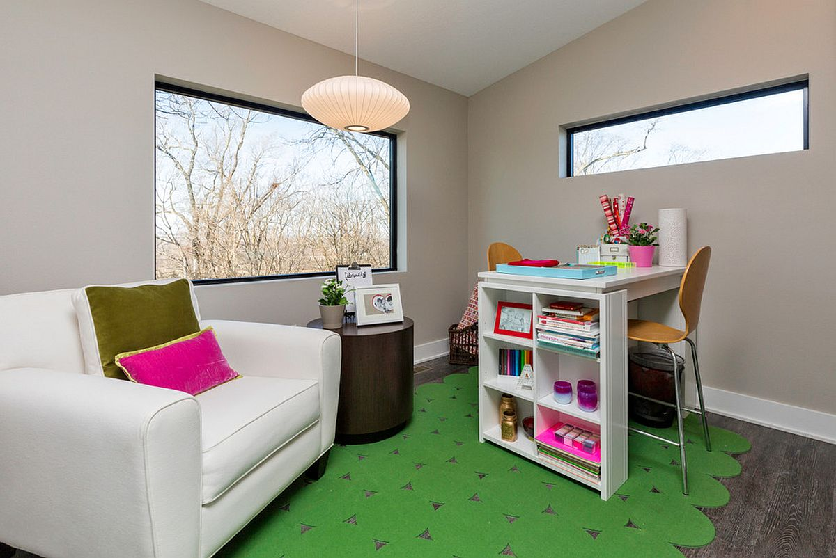 Rug-brings-a-hin-of-color-to-this-small-home-office-for-two-13350