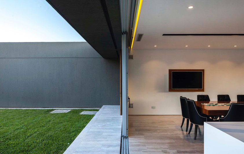 Seamless-ndoor-oudoor-connectivity-at-the-House-PR-Buenos-Aires-92696