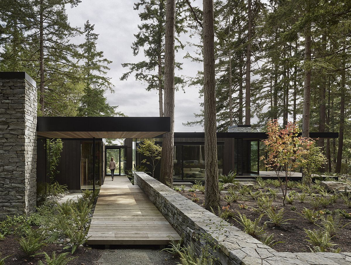 Rugged Landscape Of Whidbey Island Houses This Rustic Family Retreat